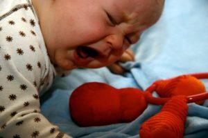 У ребенка болит живот какое лекарство дать. У ребенка сильно болит живот: когда начинать бить тревогу