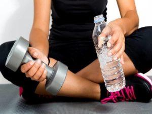 Вода во время тренировки для похудения. Можно ли пить воду во время тренировки