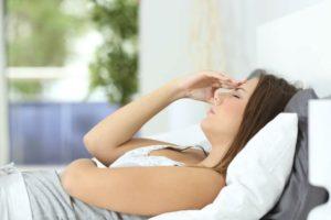 Во время сна кружится голова и тошнит. Головокружение перед сном
