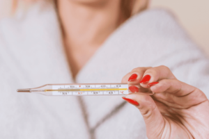 Почему долго держится температура после операции. Что делать при повышении температуры после операции