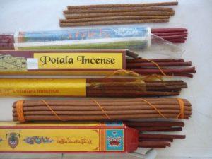 Как правильно использовать ароматические палочки. Благовония - как ими пользоваться