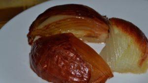 Фурункул лечение печеным луком. Как запечь лук для лечения фурункула
