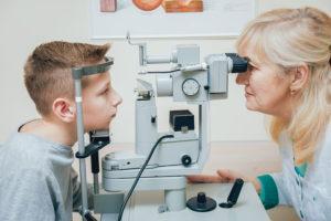 Офтальмолог (окулист, глазной врач). Как проходит прием и консультация у офтальмолога? Какое лечение назначает офтальмолог? Офтальмолог – кто это, и когда стоит обратиться к окулисту
