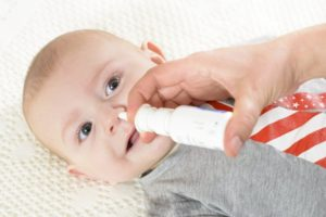 Как облегчить насморк ночью ребенку. Сильный насморк у грудничка: самые эффективные методы лечения