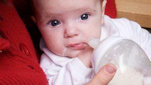 Ребенок срыгивает со слизью. Как определить, почему ваш ребёнок срыгивает. Причины частых срыгиваний у малыша и что с этим делать
