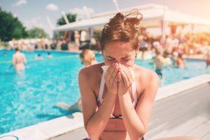 Насморк весной и летом. Летняя простуда: почему мы болеем даже в жару Насморк летом лечение