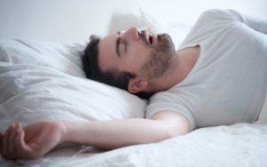 Почему взрослый человек стонет во сне? Причины возникновения стонов во сне