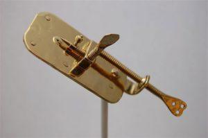 Левенгук. Изобретение микроскопа. Микроскоп Левенгука. Первый микроскоп