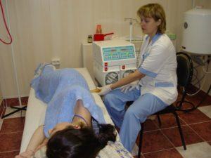 Очищение кишечника: аппаратные, домашние методы, особенности процедуры. Как очистить кишечник минеральной водой? Промывание кишечника минеральной водой