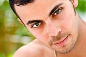 Самые голубые глаза в мире. Люди с зелеными глазами — кто они и сколько